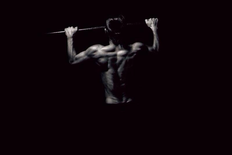 HIROのような逞しい背中を作るトレーニングメニュー