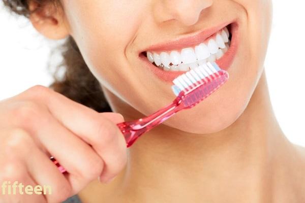 ホワイトニング歯磨き粉がより効果を発揮できる歯の磨き方