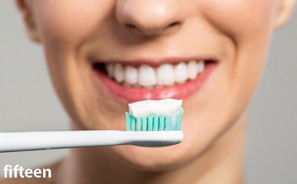 ホワイトニング歯磨き粉がおすすめの理由と効果的な磨き方